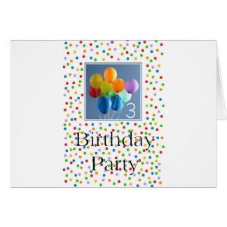 Invitación para los 3ro globos coloreados de la fi felicitación