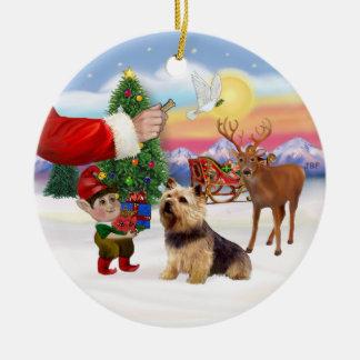 Invitación para una Norwich Terrier Adorno Navideño Redondo De Cerámica