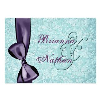 Invitación púrpura azul del boda del arco del dama