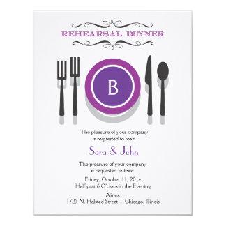 Invitación púrpura de la cena del ensayo del