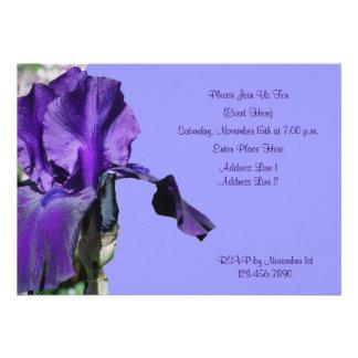 Invitación púrpura de la flor del iris barbudo
