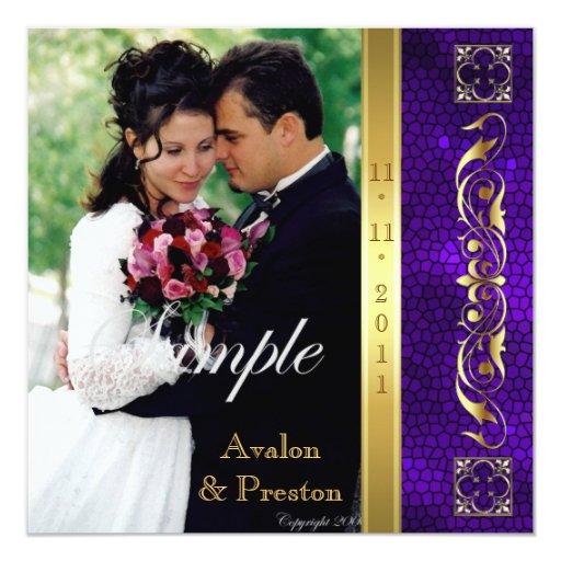 Invitación púrpura de la foto del vitral del