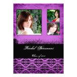 Invitación púrpura de la graduación del damasco de