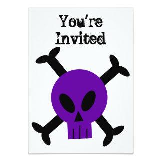 Invitación púrpura del cráneo y de la bandera