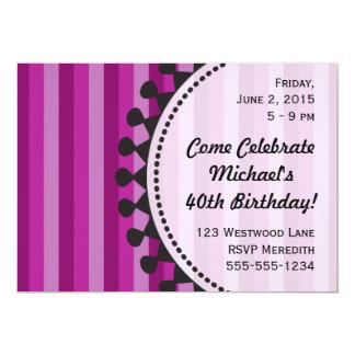 Invitación púrpura del cumpleaños de los toldos