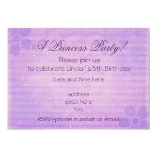 Invitación púrpura del cumpleaños del fiesta de la