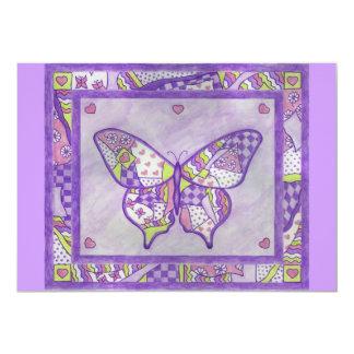 Invitación púrpura del edredón de la mariposa