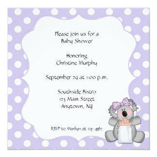 Invitación púrpura del oso de koala del lunar