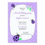 Invitación púrpura linda de la mariquita