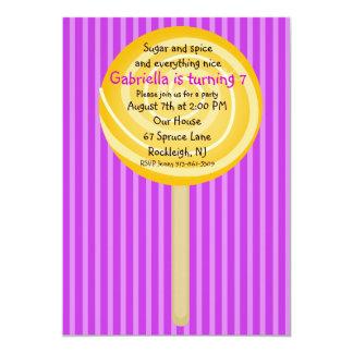 Invitación púrpura y anaranjada del cumpleaños de
