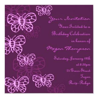 Invitación púrpura y rosada del cumpleaños de la