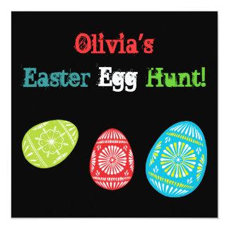 Invitación reciclada colorida de la caza del huevo