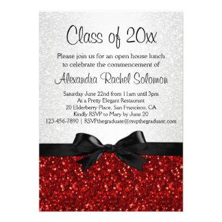 Invitación roja de la graduación del arco de la Ch
