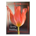 Invitación roja del boda de la primavera del tulip