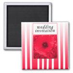 invitación roja del boda de la tira de la amapola iman de nevera
