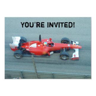 Invitación roja del coche de competición