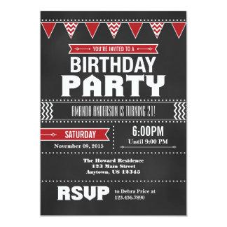 Invitación roja del cumpleaños de la pizarra de