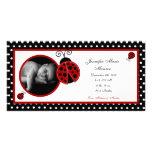invitación roja del nacimiento de la foto de la ma tarjetas fotográficas