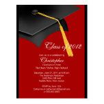 Invitación roja negra de la fiesta de graduación postal