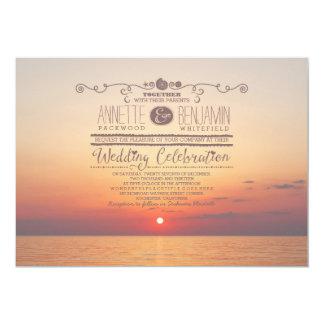 invitación romántica del boda del mar de la puesta
