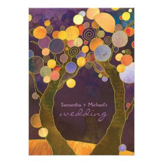 Invitación romántica púrpura del boda de los árbol