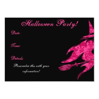 Invitación rosada de Halloween de la bruja que