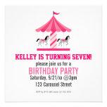 Invitación rosada de la fiesta de cumpleaños del c