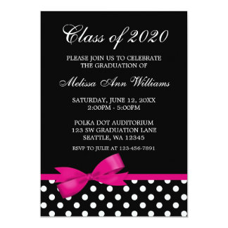 Invitación rosada de la graduación de los lunares
