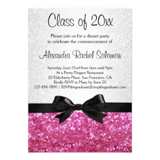 Invitación rosada de la graduación del arco de la