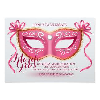 Invitación rosada de la máscara del carnaval