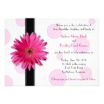 Invitación rosada del boda del lunar del Gerbera