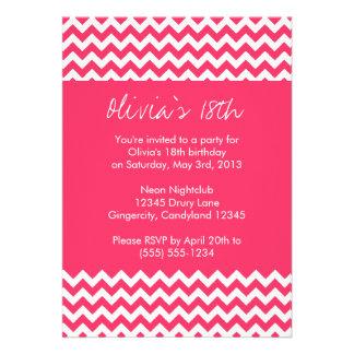 Invitación rosada del cumpleaños de Chevron