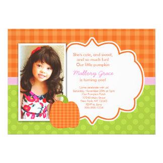 Invitación rosada del cumpleaños de la calabaza -