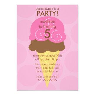 Invitación rosada del cumpleaños del cono de