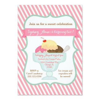 Invitación rosada del fiesta del helado del chica
