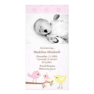 Invitación rosada del nacimiento de los pájaros tarjeta con foto personalizada
