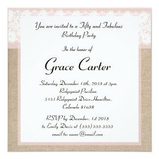 Invitación rosada formal del cumpleaños del cordón