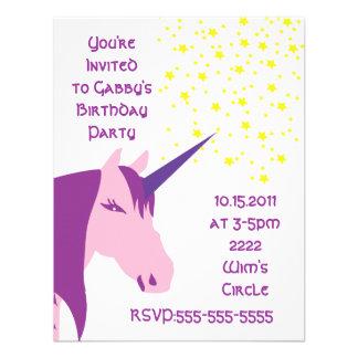 Invitación rosada/púrpura del cumpleaños del unico