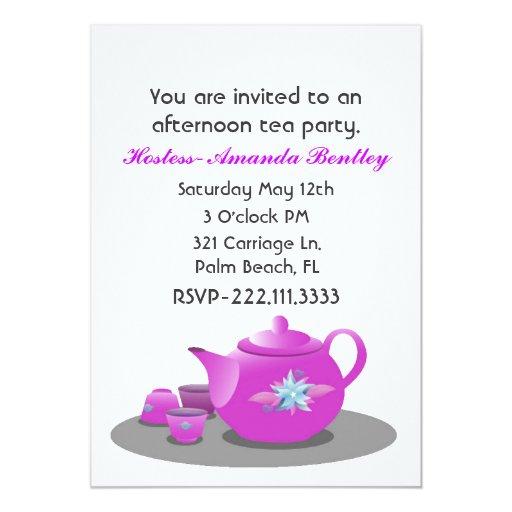 Invitación rosada y blanca bonita de la fiesta del