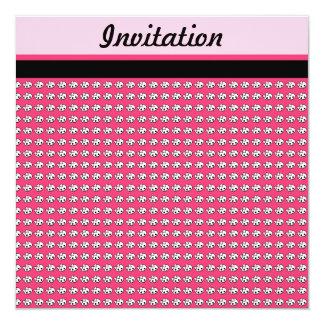 Invitación rosada y negra de los cráneos