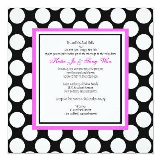 Invitación rosada y negra del boda del lunar