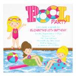 Invitación rubia de la fiesta en la piscina del cu