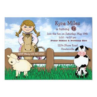Invitación rubia de la granja de la vaquera