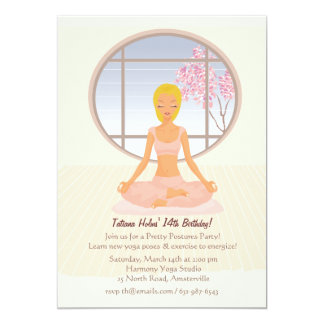 Invitación rubia del chica de la yoga