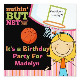 Invitación rubia del cumpleaños del baloncesto del