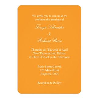 Invitación simple llana blanca anaranjada del boda
