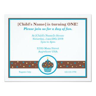 Invitación temática de la magdalena marrón y azul invitación 10,8 x 13,9 cm