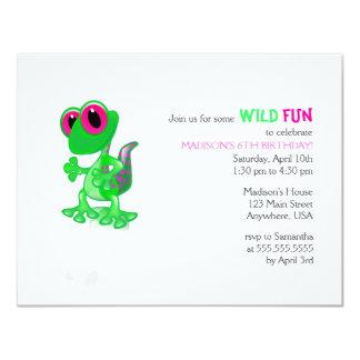 Invitación verde clara del cumpleaños del Gecko