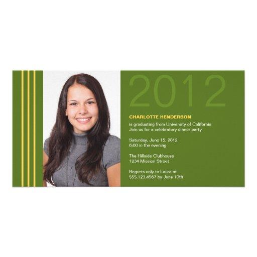 Invitación verde de la foto de la graduación de la tarjeta con foto personalizada