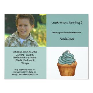 Invitación verde de menta del cumpleaños de la